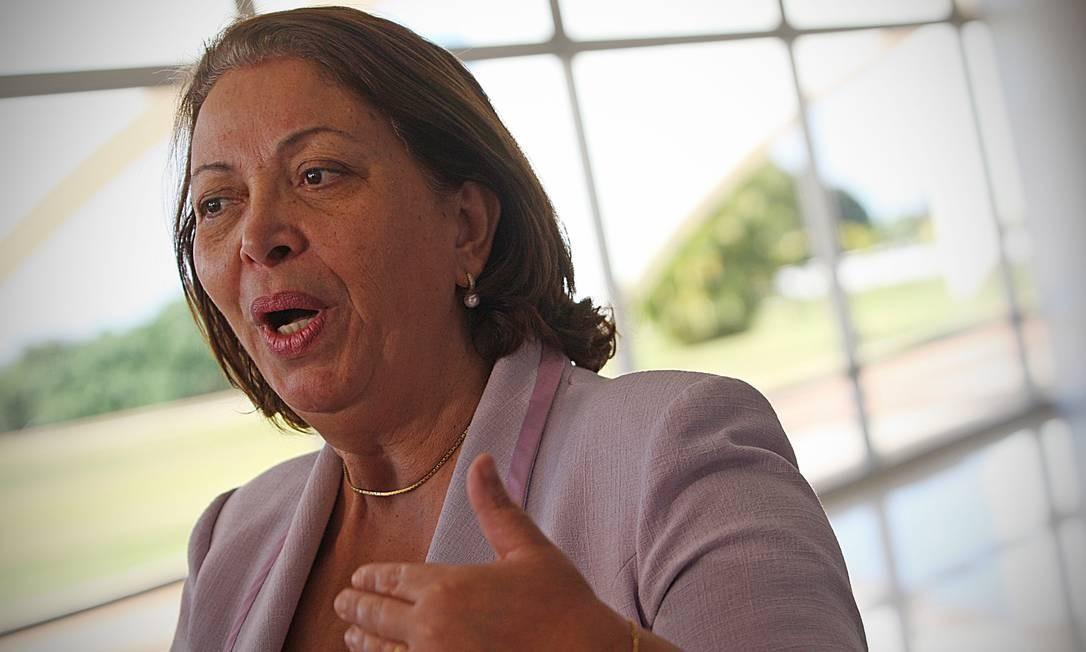 Ideli diz que PF vai apurar fraudes no Minha Casa 'até as últimas consequências'