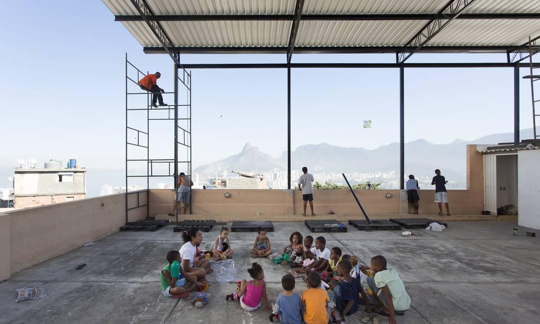 Na sede do MUF, atividades para crianças, festas e cinema na caixa d'água Foto: Leo Martins / O Globo
