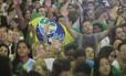 Milhares de peregrinos participam da missa do Padre Fábio de Mello no Riocentro, na abertura da Cidade da Fé