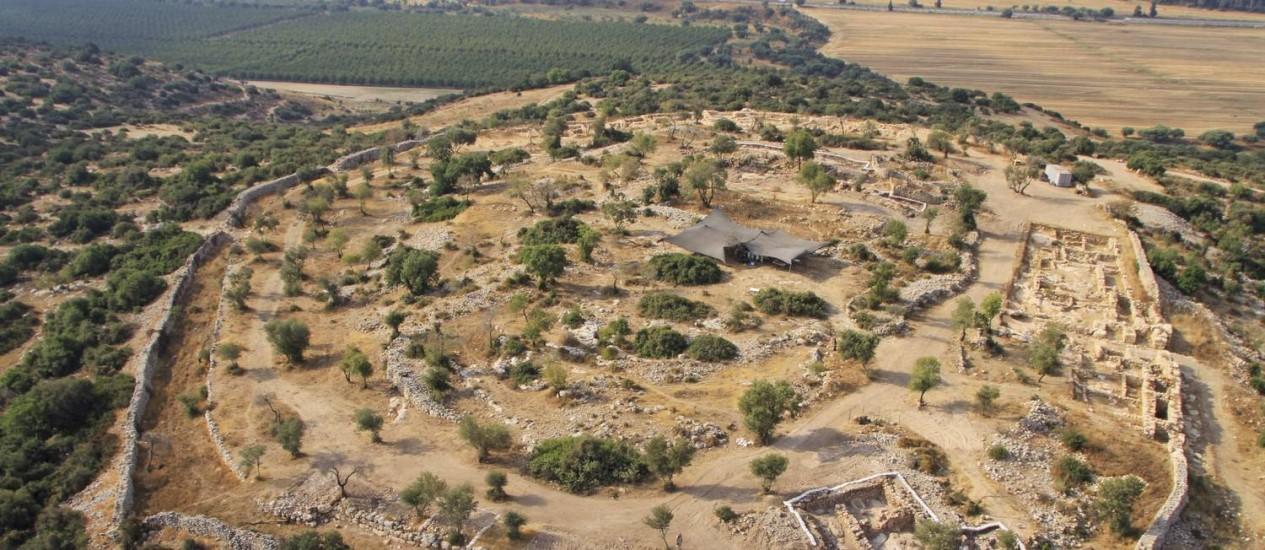 A região arqueológica de Khirbet Qeiyafa, onde pesquisadores dizem ter descoberto um palácio do Rei Davi Foto: SkyView / AP