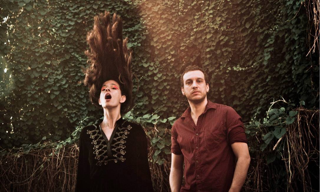 Letícia e Lucas. As oito músicas novas foram feitas em Portugal Foto: Divulgação