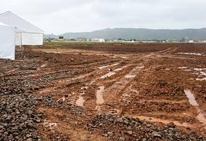 O lamaçal no Campus Fidei, em Guaratiba, na Zona Oeste do Rio Foto: Daniela Dacorso / Agência O Globo
