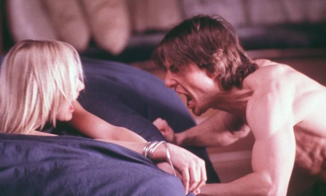 """Realidade e fantasia se confundem na trama de David Aames (Tom Cruise), depois que ele sofre um acidente no filme """"Vanilla Sky"""" Divulgação"""