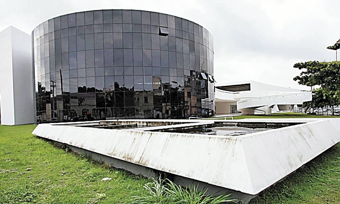Centro de cinema. Erguido em 2006, a R$ 12 milhões, só recebeu um evento Foto: Hudson Pontes/3-4-2013