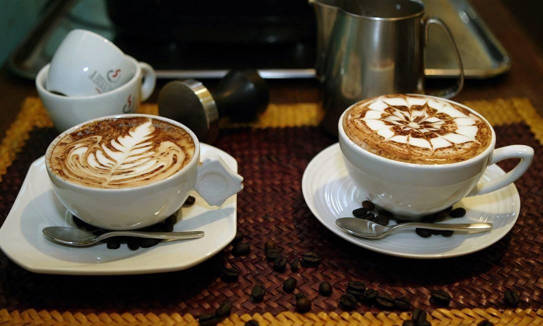Tomar café reduz risco de suicídio à metade, informa pesquisa de Harvard