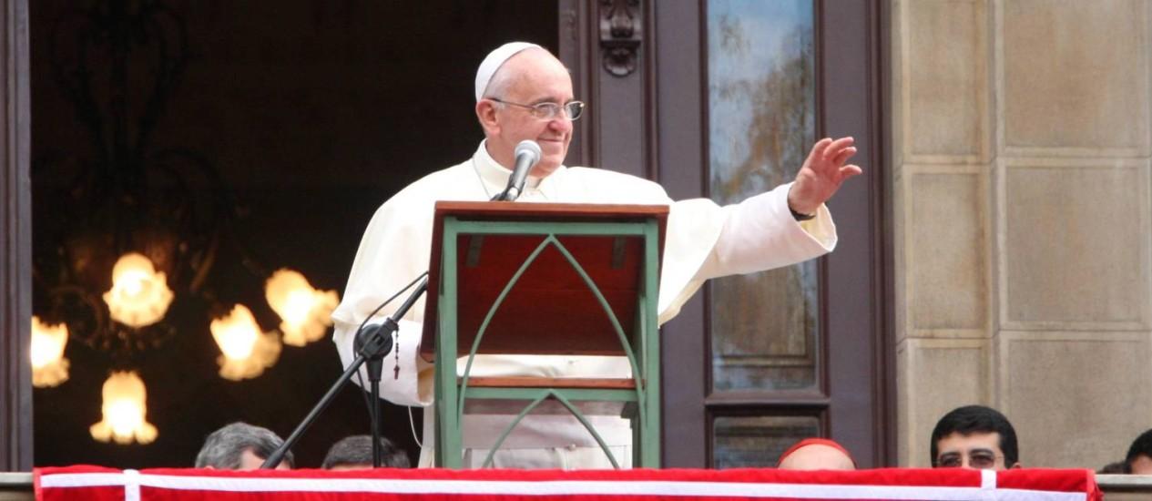 Resultado de imagem para fotos do papa francisco no angelus