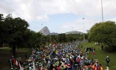 Peregrinos seguem para Copacabana Foto: Felipe Hanower / Agência O Globo