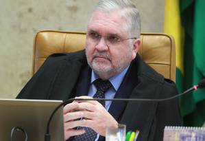 Preço. Sem habilidade política, Gurgel virou alvo de ataques de parlamentares Foto: O Globo / Givaldo Barbosa/25-4-2013