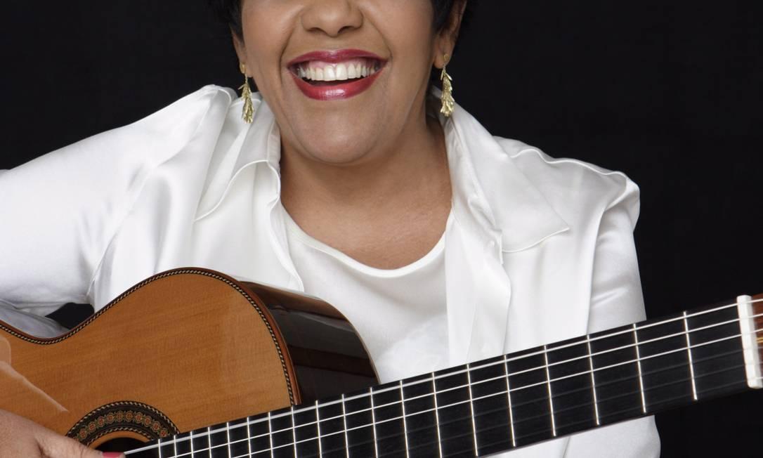 No disco, Rosa Passos canta sucessos e esquecidas de Djavan Foto: Divulgação
