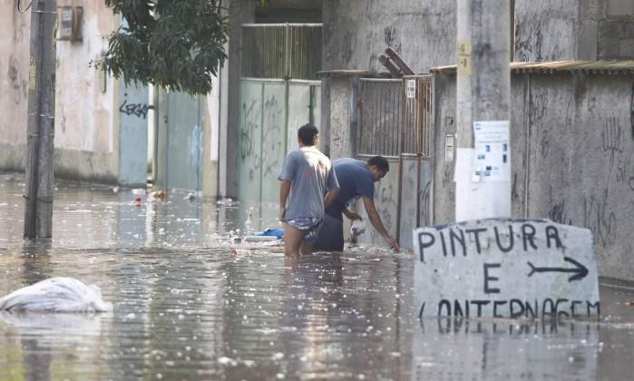 Água atingiu vários casas da região Pablo Jacob / Agência O Globo