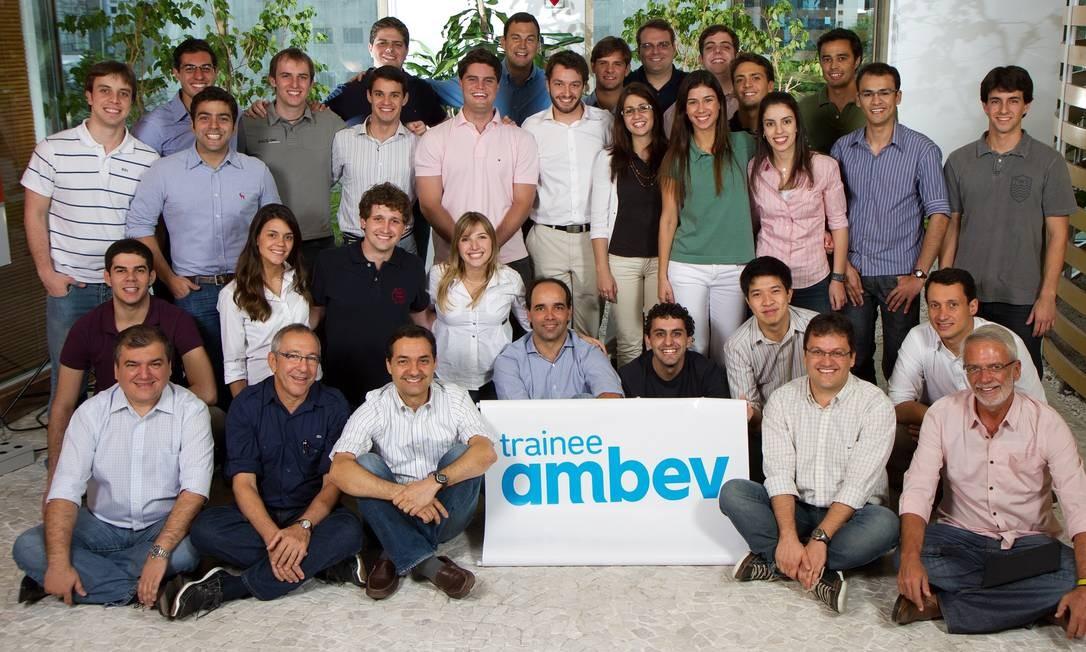 0c560c64531c8 Temporada de vagas de trainees  17 empresas têm oportunidades ...