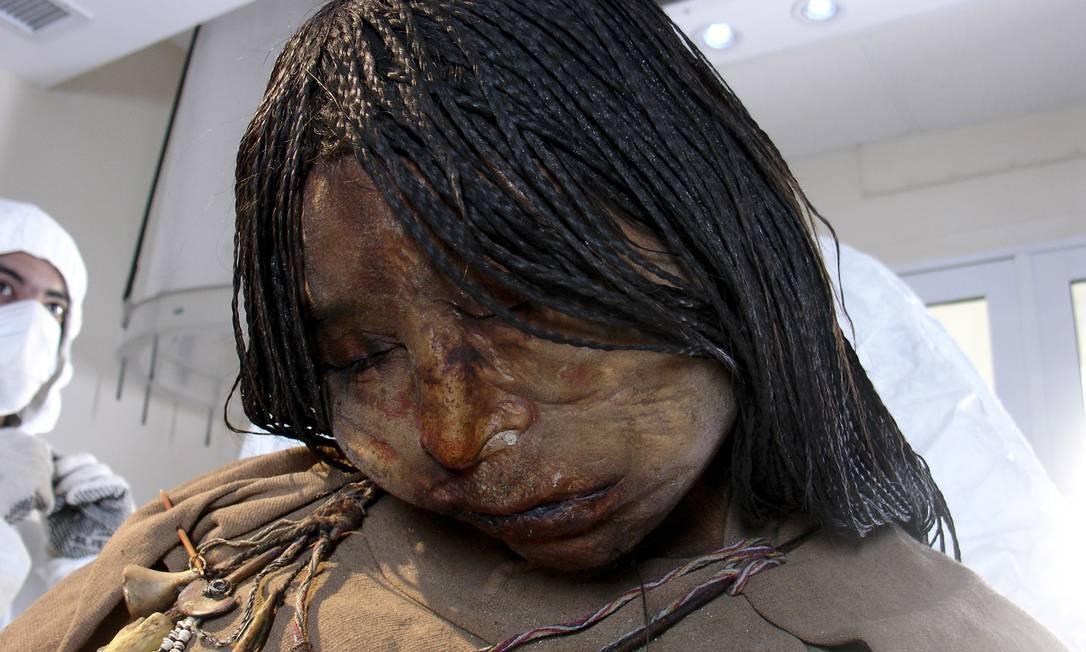 Menina tinha 13 anos quando foi sacrificada; análise do cabelo indicou consumo de álcool e coca Foto: Terceiro / New York Times