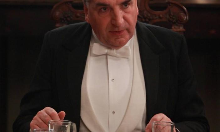 O ator Jim Carter em cena da série 'Downton Abbey' Foto: Divulgação