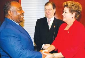 Dilma com o presidente do Gabão, Ali Bongo: anistia de US$ 3,5 milhões para o Gabão, país que há 46 anos vive sob a ditadura Foto: Roberto Stuckert Filho