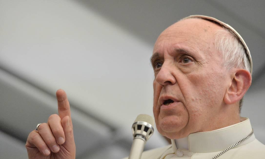 Francisco disse que os católicos não devem tentar converter os outros Foto: AP/Luca Zennaro