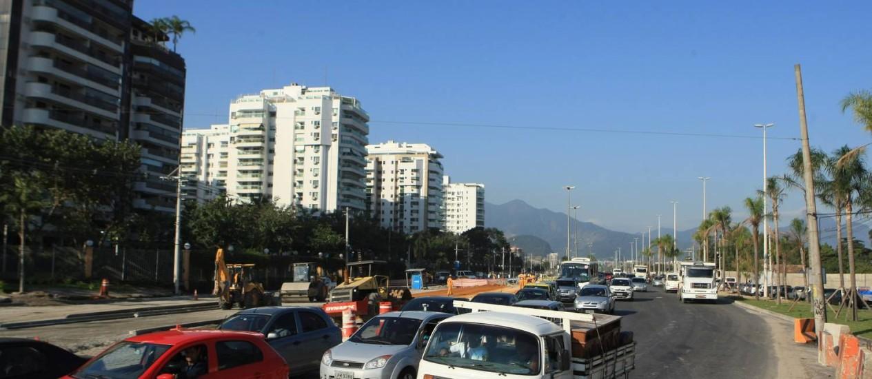 Mercado. Com a região em expansão, o metro quadrado na Abelardo Bueno custa em média R$ 7.500 Foto: Guilherme Leporace/Agência O Globo