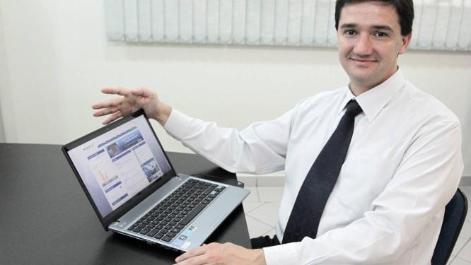 O educador financeiro Mauro Calil: aplicações em renda variável exigem longo prazo Foto: Eliária Andrade / Agência O Globo