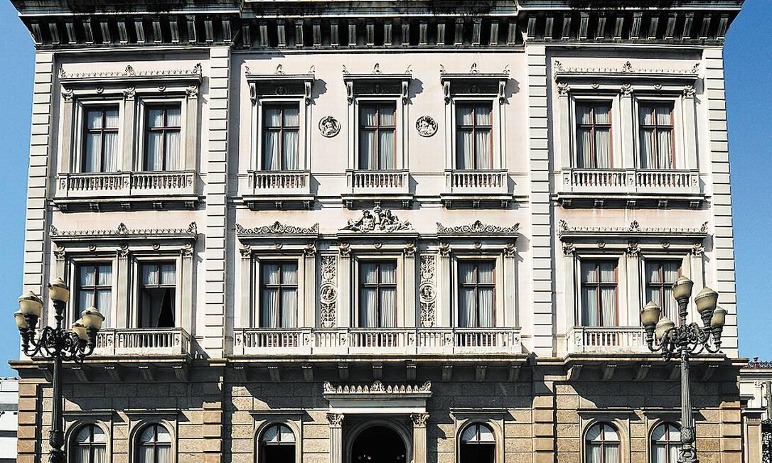 Só para recuperar a fachada do Palácio do Catete, onde funciona o Museu da República, são necessários R$ 5 milhões, diz a diretora Magaly Cabral Foto: Janda Praia/Divulgação