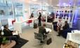 """Na Regus, que está presente em mais de cem países ao redor do mundo, os espaços de co-working são chamados de """"business lounges"""