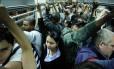 Hora do rush: maioria dos brasileiros já está de pé no início da manhã para trabalhar
