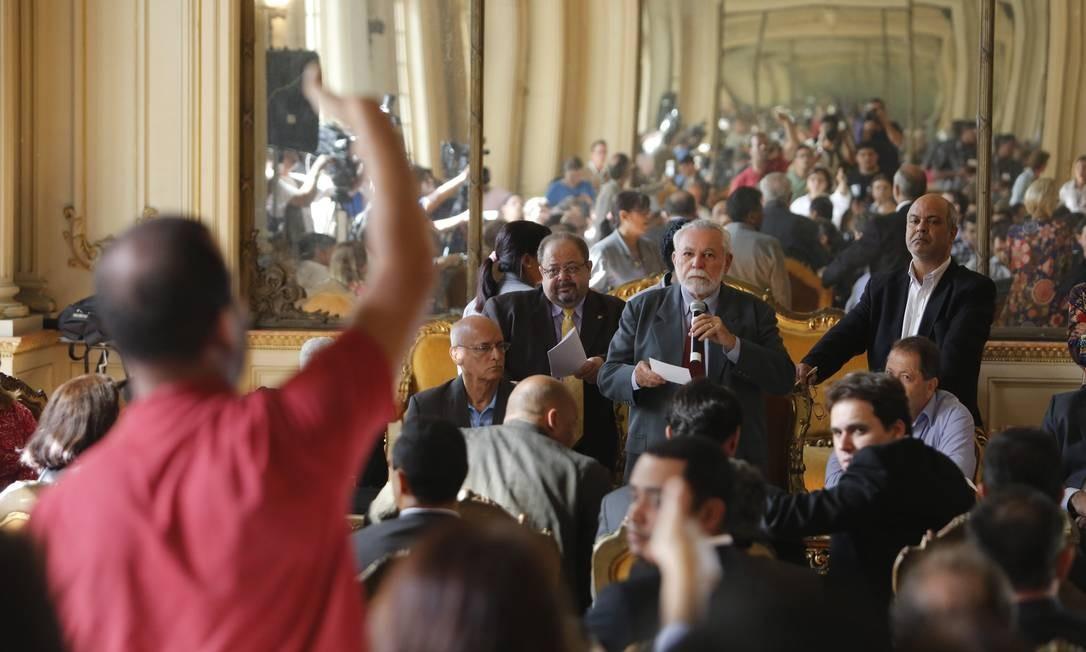 Os cargos de presidente e relator da CPI foram definidos numa reunião bastante tumultuada Hudson Pontes / O Globo