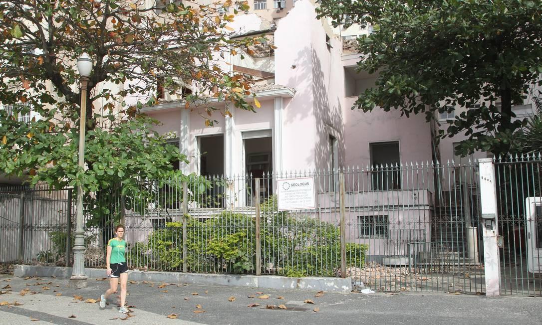 """No lugar da """"casa rosa"""", será construído hotel com projeto sustentável Foto: Marcelo Carnaval / Agência O Globo"""