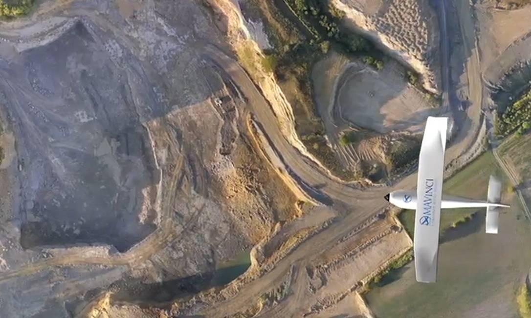 Veículo autônomo aéreo fazendo levantamento de local de mineração Foto: Divulgação