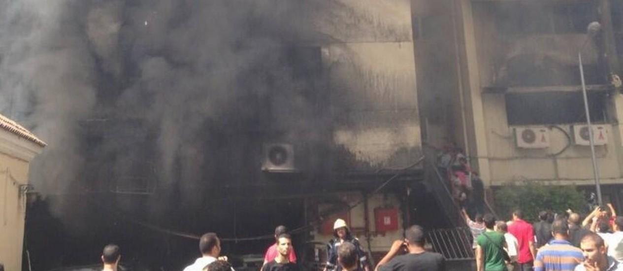 Governo egípcio avisa que usará munição letal contra ataques de manifestantes