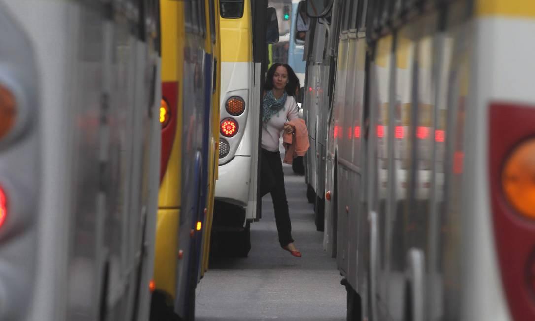 Ônibus no Rio Foto: Marcelo Carnaval / Marcelo Carnaval