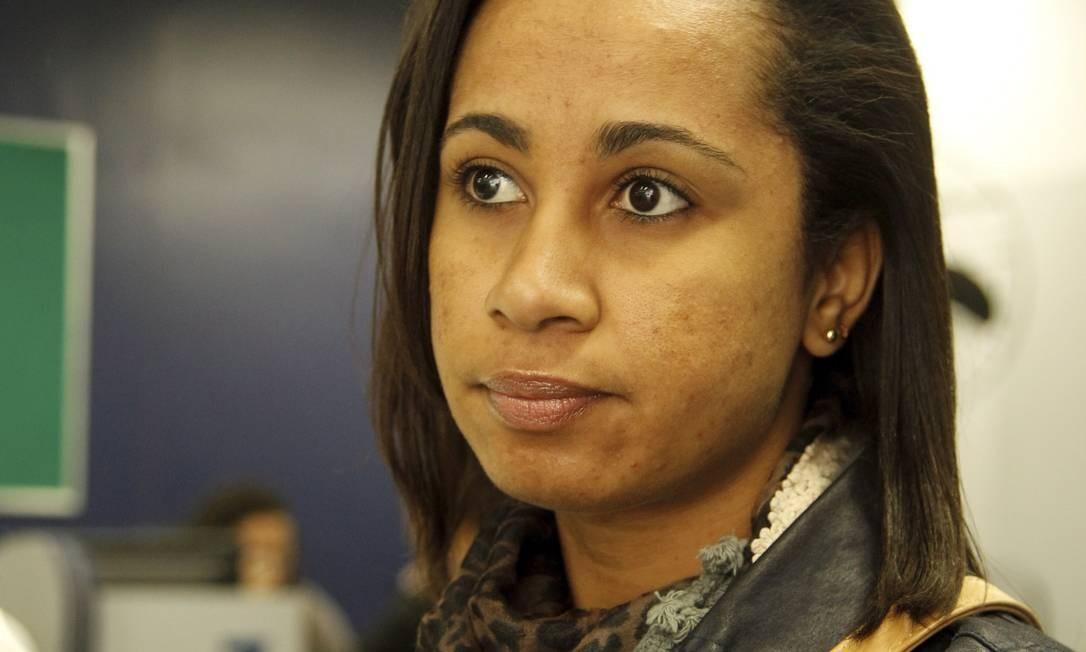 Decepção. A mineira Leila Gomes veio para o Rio há oito anos em busca de oportunidades, mas mesmo com o ensino médio completo não consegue trabalho Foto: Gabriel de Paiva