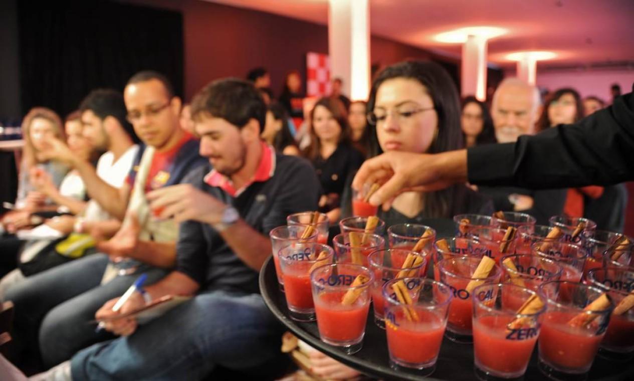 O públicou aprovou as invenções de Dhyan e pediu bis das provinhas Foto: Adriana Lorete/O Globo