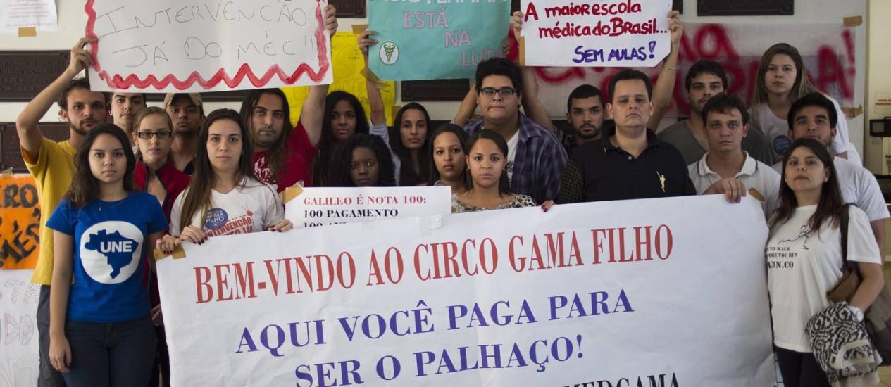 Alunos ocupam a reitoria da Universidade Gama Filho (UGF), em Piedade, há quase um mês Foto: Paula Giolito / Agência O Globo