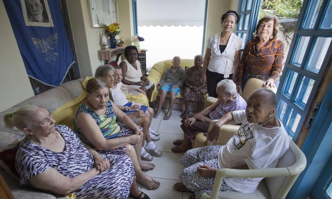 Abrigo. A Casa de Ramana, no Grajaú, acolhe atualmente nove idosas da região em situação de risco social Foto: Hudson Pontes