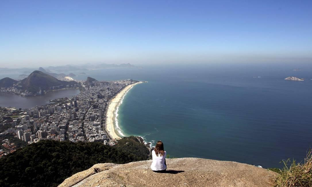 O topo do irmão mais alto fica a mais de 500 metros do nível do mar Custódio Coimbra / Agência O Globo