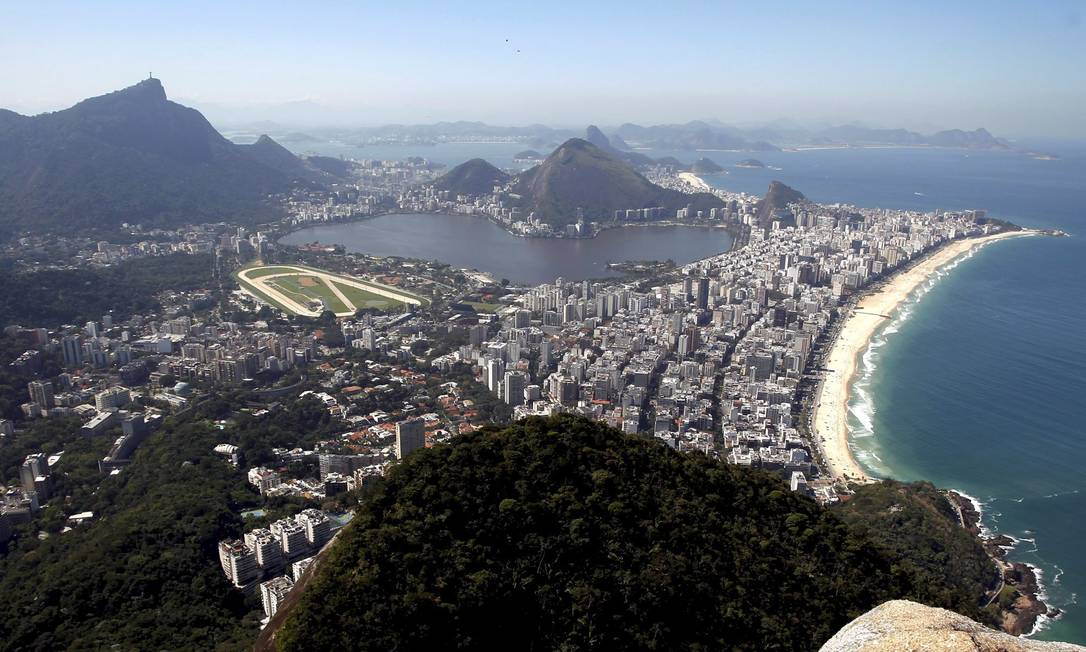 Ao fundo, é possível ver o Pão de Açúcar e a Região Oceânica de Niterói Custódio Coimbra / Agência O Globo