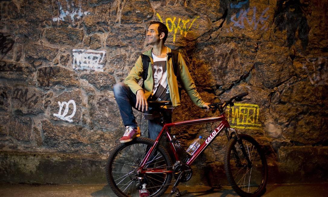 Cabbet Araújo, proprietário dos clubes Fosfobox e La Paz, pretende construir bicicletários próximos a seus estabelecimentos Paula Giolito / Agência O Globo
