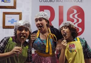 Eduardo Martins, Luisa Giesteira e Luigi Montez, apresentadores do programa