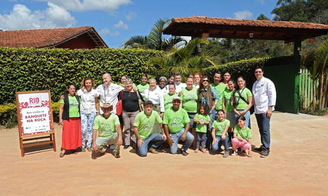 Ecochefs e produtores posam para a foto Adriana Lorete/O Globo