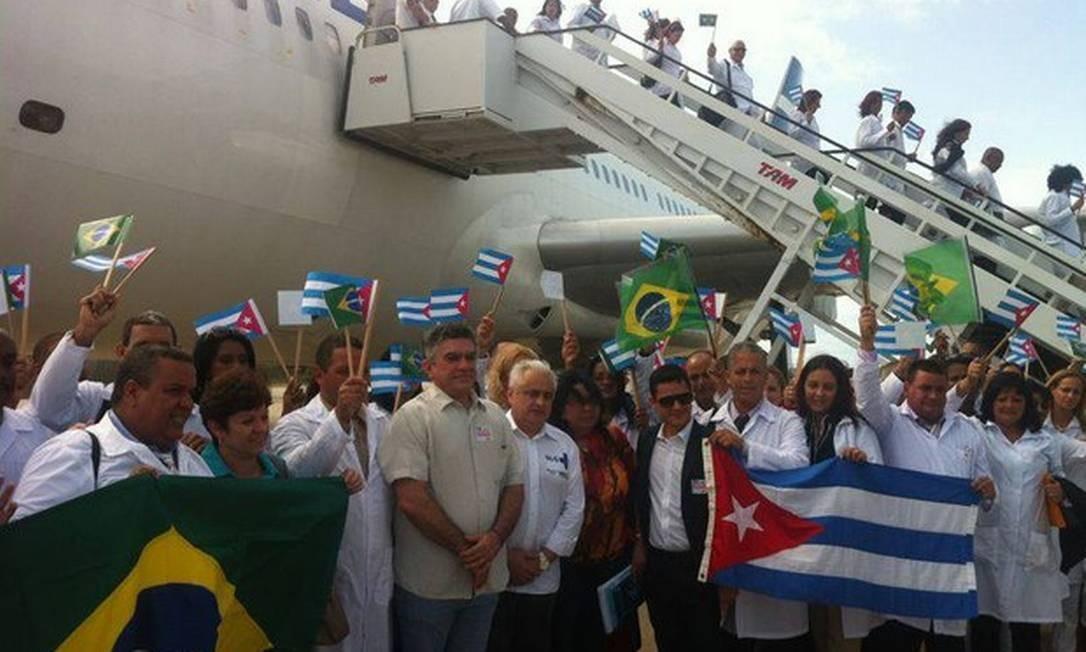 Médicos cubanos desembarcam em Fortaleza Foto: Divulgação/ Ministério da Saúde