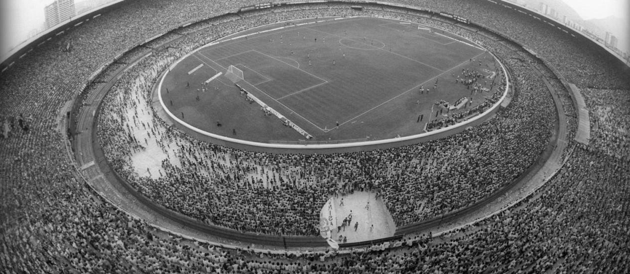 Resultado de imagem para novo maracanã lotado 1970