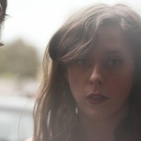 O guitarrista Alex Scully e a cantora e tecladista Victoria Legrand: canções etéreas Foto: Divulgação