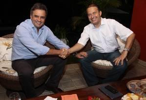 Aécio e Campos jantaram na residência do governador pernambucano nesta quinta-feira Foto: Divulgação