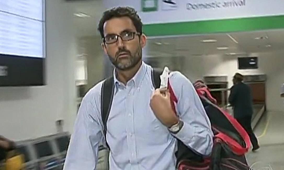 Eduardo Saboia no Aeroporto Internacional de Brasília Foto: Divulgação / TV Globo
