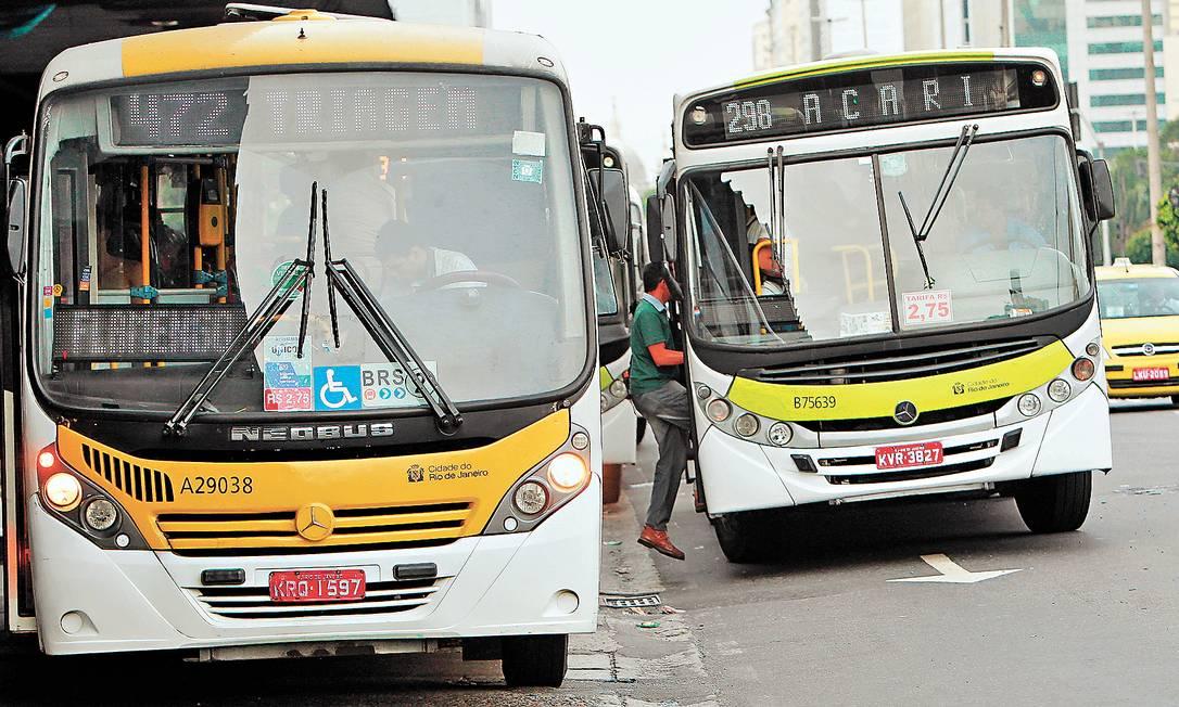 Revisão tarifária das linhas de ônibus municipais, que levou passagem de R$ 2,50 para R$ 2,75, é alvo de investigação no Tribunal de Contas do Município (TCM) - Foto: Marcelo Martins/21-06-2013