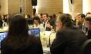Prefeito Eduardo Paes em reunião com o COI Foto: Beth Santos / Divulgação