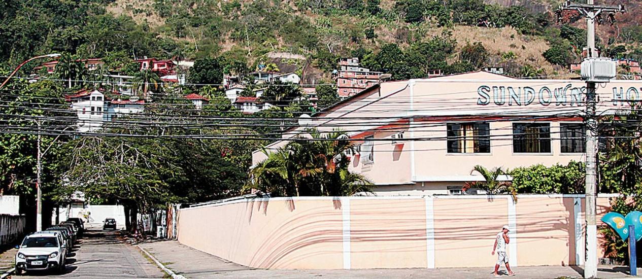 """Ambiente. Em Charitas, um dos pontos do traçado do túnel, """"novela"""" no ar desde a década de 70 Foto: Márcio Alves / Márcio Alves/13-8-2013"""