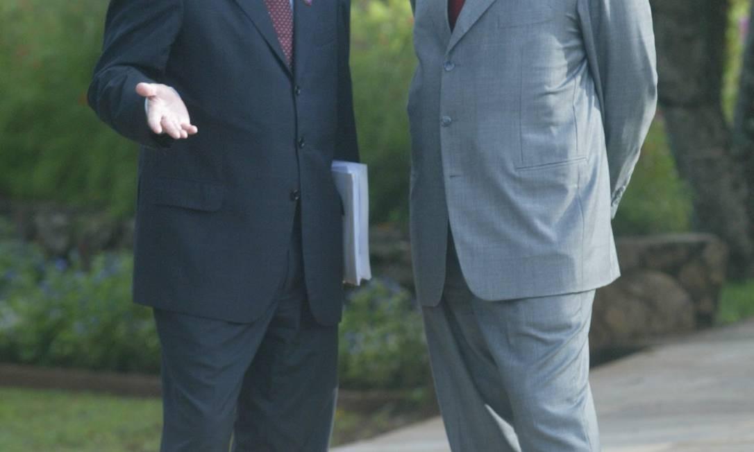 José Dirceu enviou a Antônio Palocci, então ministro da Fazenda, durante intervalo da reunião ministerial na granja do torto. Foto: Gustavo Miranda / O Globo