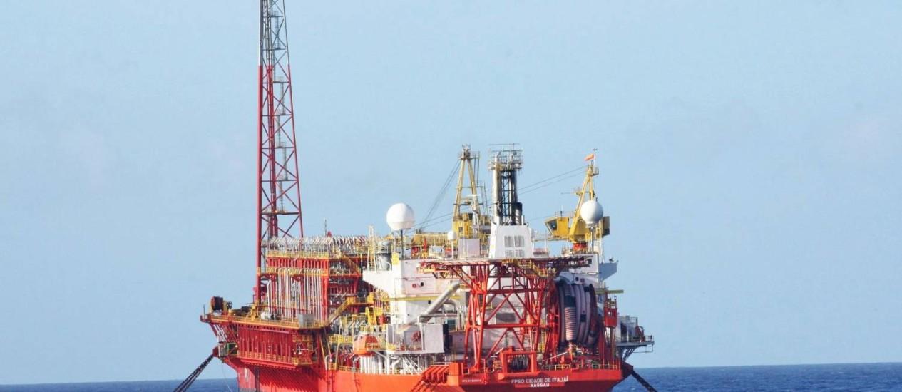 Navio plataforma da Petrobras que opera no pré-sal Foto: Divulgação