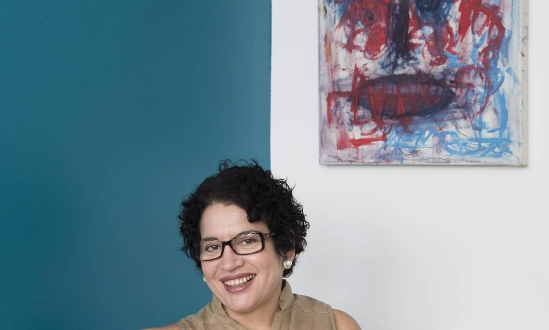A filósofa Viviane Mosé entende que Brasil ainda trata o aluno como um decorador de conteúdos Foto: Agência O Globo / Mônica Imbuzeiro