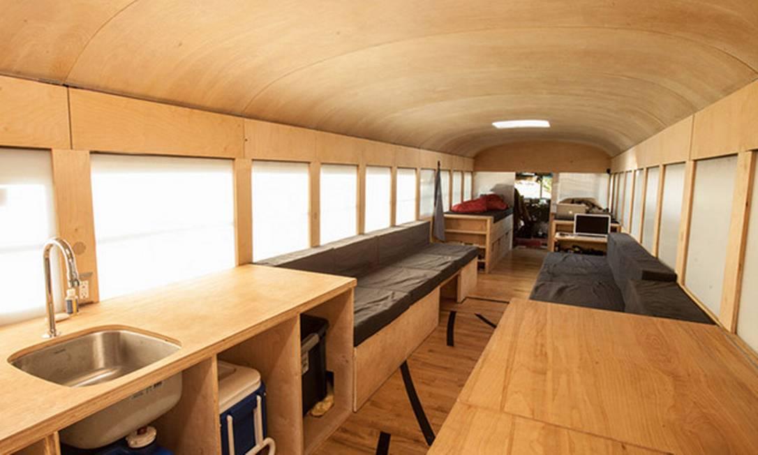 O interior foi todo feito de madeira e a obra durou 15 semanas Hypeness